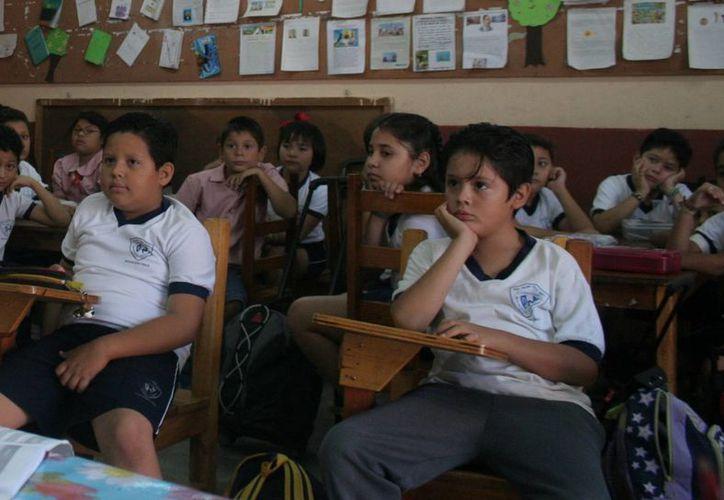 """Alumnos de quinto grado participarán en la selección de """"diputados"""". (Milenio Novedades)"""