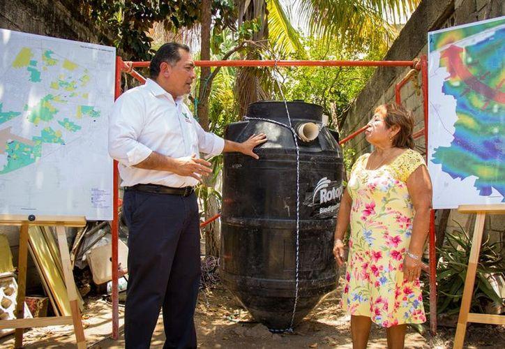 Víctor Caballero Durán, candidato del PRI a la Presidencia Municipal de Mérida, anunció el proyecto de instalación de mil biodigestores. (SIPSE)