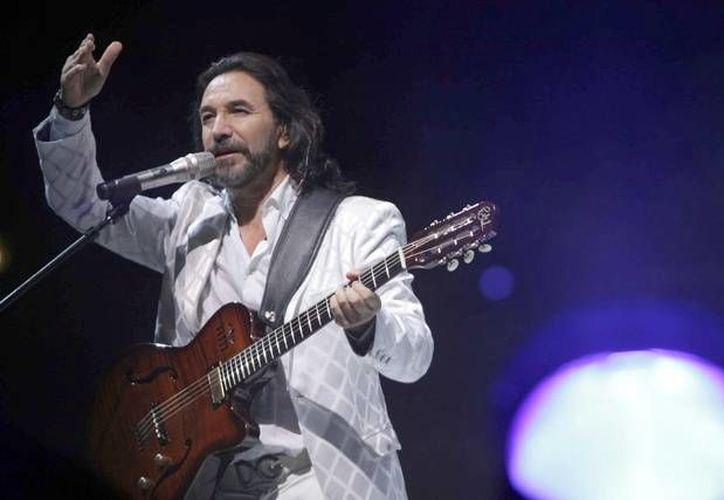 Marco Antonio Solis 'El Buki' tendrá en febrero del 2016 su quinta participación en el Festival Internacional de la Canción de Viña del Mar, según informaron este jueves fuentes oficiales.(Archivo Notimex)