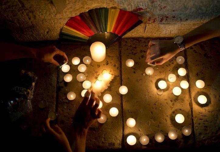 El gobernador de Florida ordenó que se dispongan de todos los recursos para desplegar un plan de respuesta tras el atentado en el bar gay 'Pulso'. (AP)