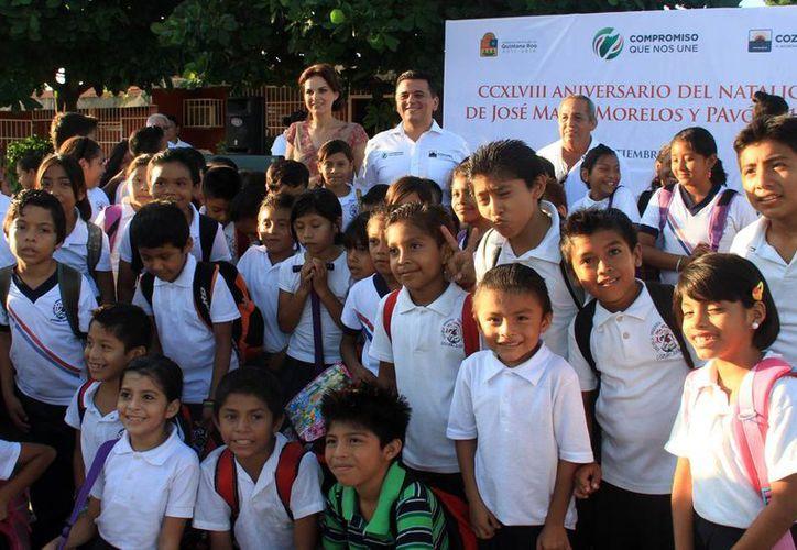 Las autoridades continuarán conmemorando fechas históricas en las escuelas de la localidad. (Cortesía/SIPSE)
