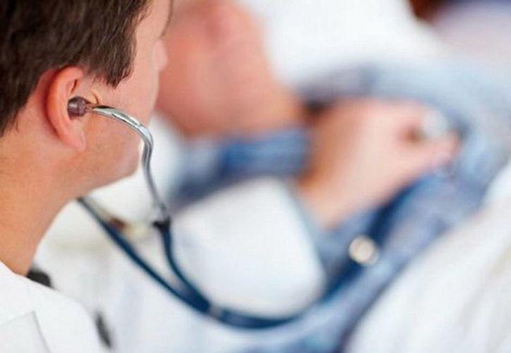 """En las jornadas se pidió a los médicos yucatecos evitar la divulgación de """"datos sensibles"""" de sus pacientes, lo cual es una práctica inadecuada pero muchas veces común. (Agencias)"""