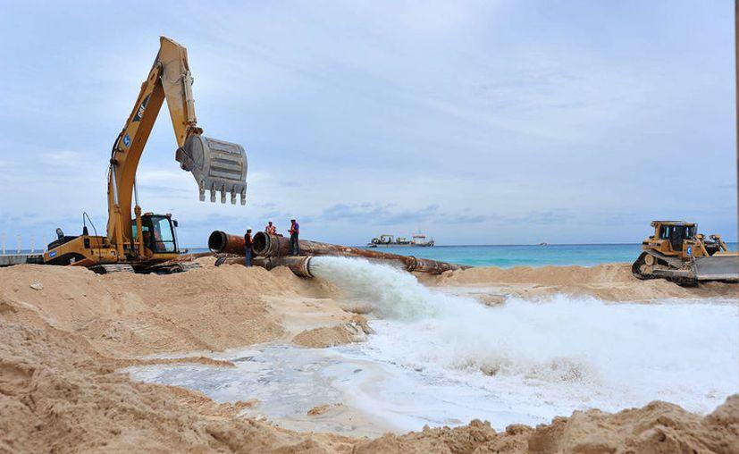 """La MIA de la CFE especificaba en 2006 que el costo global de esa recuperación en Playa del Carmen sería de """"seis millones de dólares"""", que al tipo de cambio actual alcanzaría cerca de 120 millones. (Adrián Barreto/SIPSE)"""
