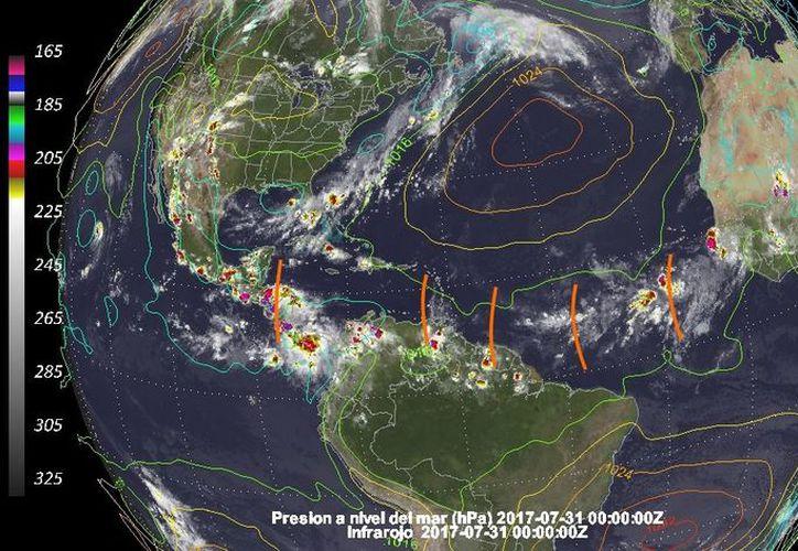 De acuerdo con los pronósticos, esta semana puede ser de las más lluviosas de las últimas fechas, por la llegada sucesiva de varias ondas tropicales. (Facebook/Meteorología Yucatán)