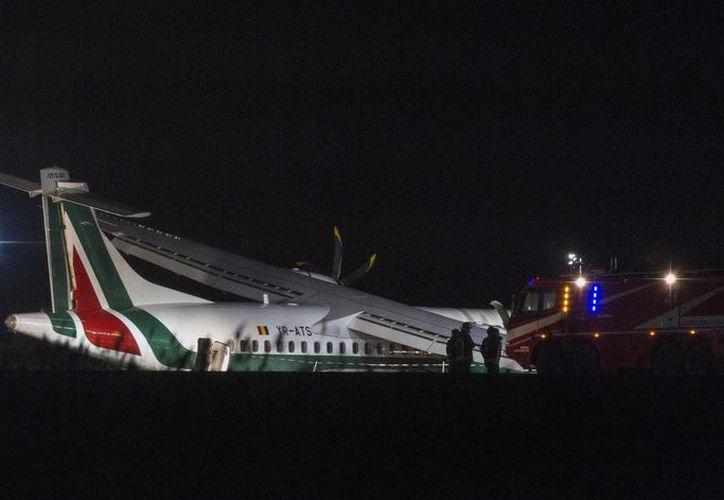 El percance de la aeronave Atr72 de la compañía rumana Carpatair obligó al cierre de varias pistas. (AP)