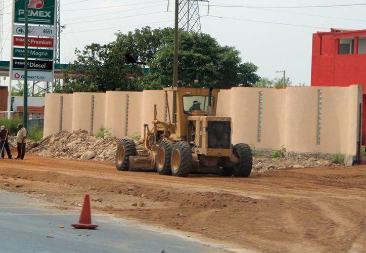 La ampliación de carreteras agiliza el tránsito y refuerza la seguridad. (José Acosta/SIPSE)