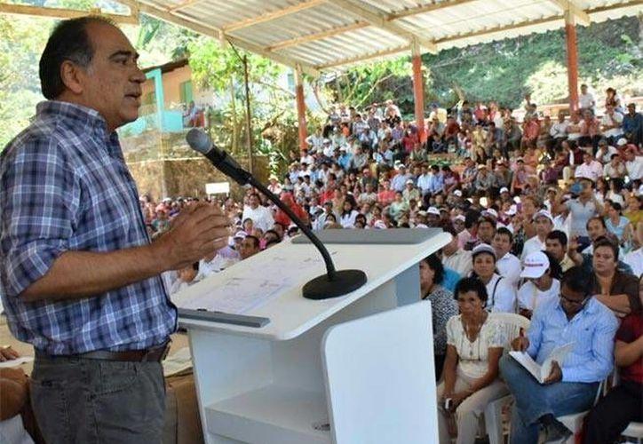 El gobernador de Guerrero, HéctorAstudillo, dio a conocer que 11 personas murieron baleadas en una fiesta de 15 años en Cundancito. (excelsior.com.mx)