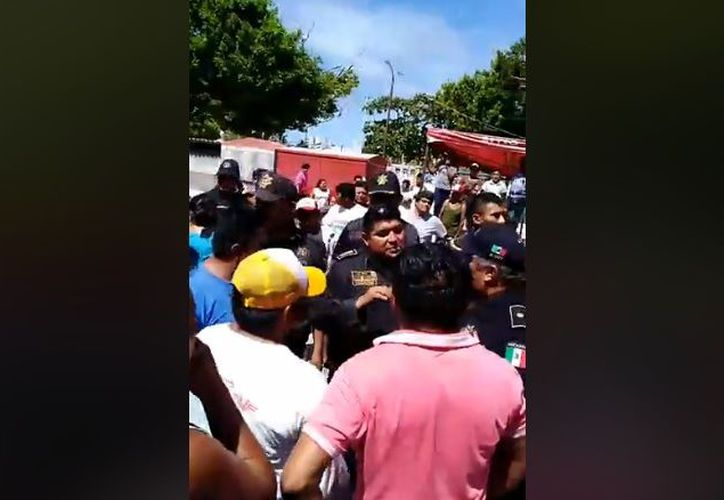 Las supuestas detonaciones alarmaron a los vecinos del municipio, quienes salieron a las calles para pedir explicaciones a las fuerzas policíacas.  (Captura de pantalla)