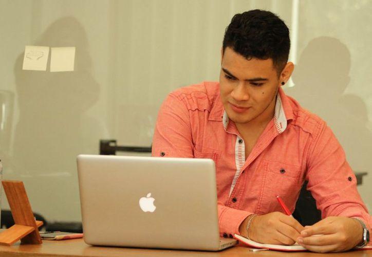 Jóvenes de Benito Juárez y Othón P. Blanco fueron vinculados a empresas públicas y privadas para su primer empleo. (Foto: Ángel Castilla/SIPSE)