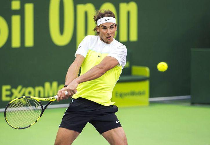 En duelo de españoles en la primera ronda del torneo de tenis de Qatar, Rafael Nadal venció a Pablo Carreño Busta. (AP)