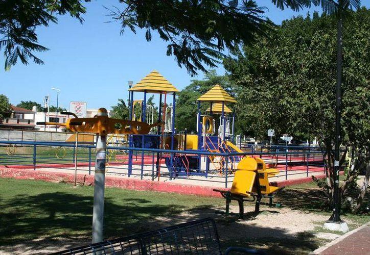 En esta parte del parque fue vista una persona horas después de que muriera. (Jorge Moreno/SIPSE)