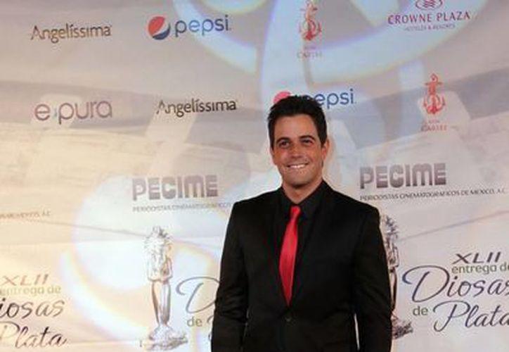 Mane de la Parra dijo que continúa dándole forma al álbum del que pronto lanzará una balada. (Archivo/Notimex)