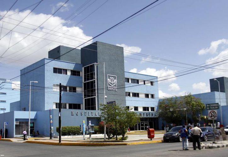 Las 10 mil plazas que ofertará el Issste serán cubiertas de manera gradual desde 2015 hasta 2017.  En la imagen, el Hospital Regional del Instituto en Mérida, Yucatán. (Archivo/SIPSE)