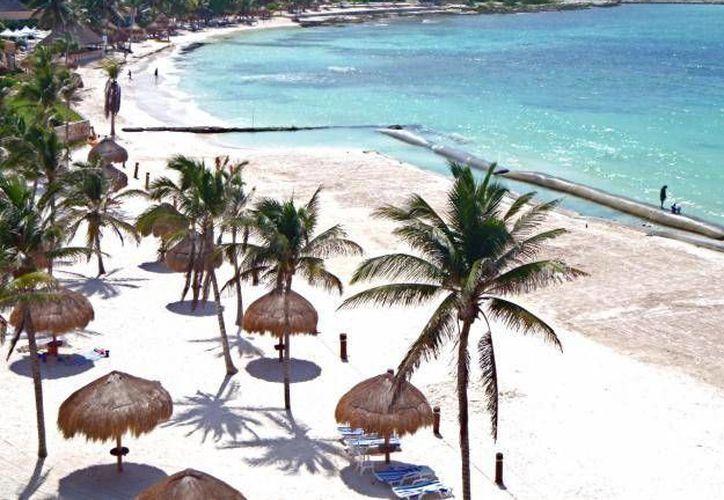 El secretario de Turismo dijo que no hay recursos para poner en marcha un programa de recuperación de playas. (Foto de Contexto/SIPSE)