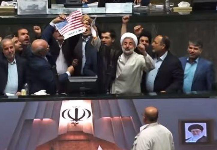 Irán tiene derecho a reanudar sus actividades nucleares en caso de que esos países europeos no acaten lo exigido. (Youtube/ RT)