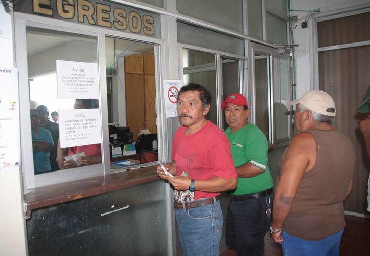 Aseguran el pago de la primera quincena de diciembre a los trabajadores. (Julián Miranda/SIPSE)