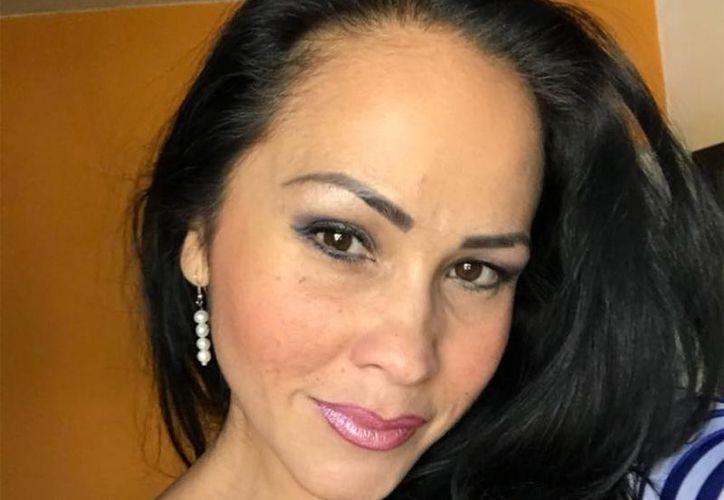 Alexandra Castellanos denunció en Facebook que su casa fue baleada y responsabilizó a su ex pareja. (Foto: Facebook)