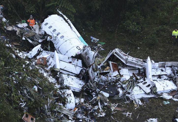 El avión que transportaba al equipo de fútbol brasileño Chapecoense cobró la vida de 75 de las personas que se encontraban a bordo. (Gustavo Garello/AP)