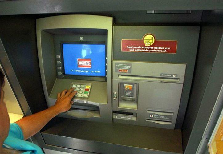 Se recomienda utilizar cajeros automáticos en horarios donde la presencia de varias personas pueda inhibir conductas delictivas.(primeroennoticias.com/Foto de contexto)