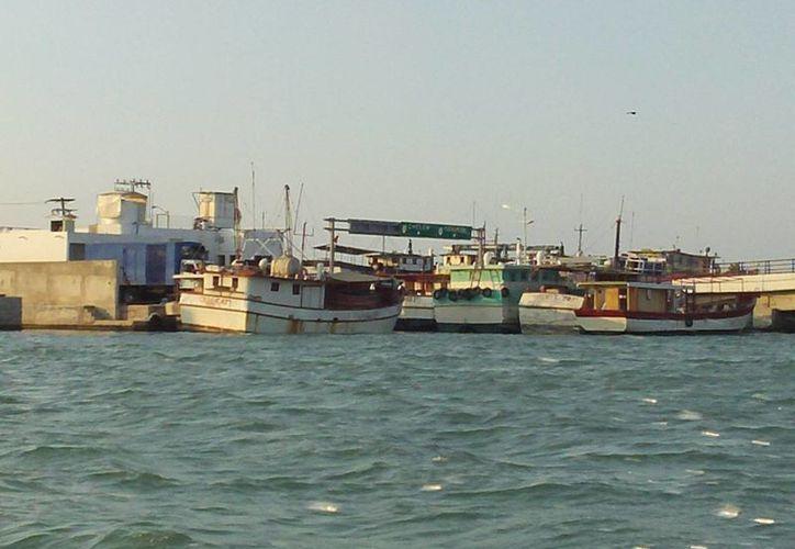 El puerto de Yucalpetén fue cerrado desde el lunes a las 15:00 horas. (Manuel Pool/SIPSE)