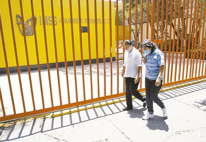 La demanda de lugares de guarderías en el IMSS aumentó de 148 mil a 245 mil, es decir, 65 por ciento más en diez años. (Milenio Novedades)
