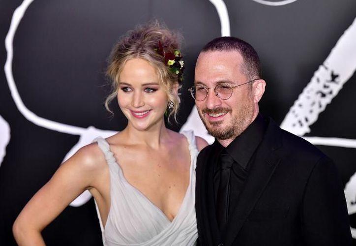 Jennifer Lawrence y Darren Aronofsky en la premiere de 'Mother!' en New York.  (Foto: Getty Images)
