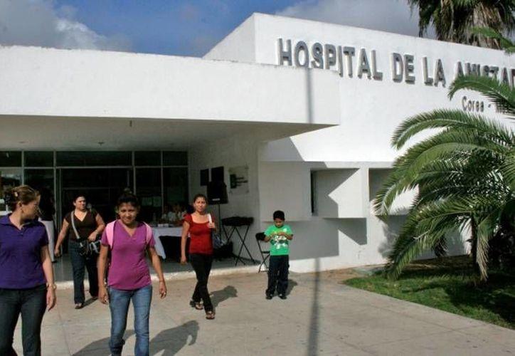 Debido a complicaciones del síndrome que padece, Emanuel permanece internado en el Hospital de la Amistad Corea-México, en Mérida. (Archivo)