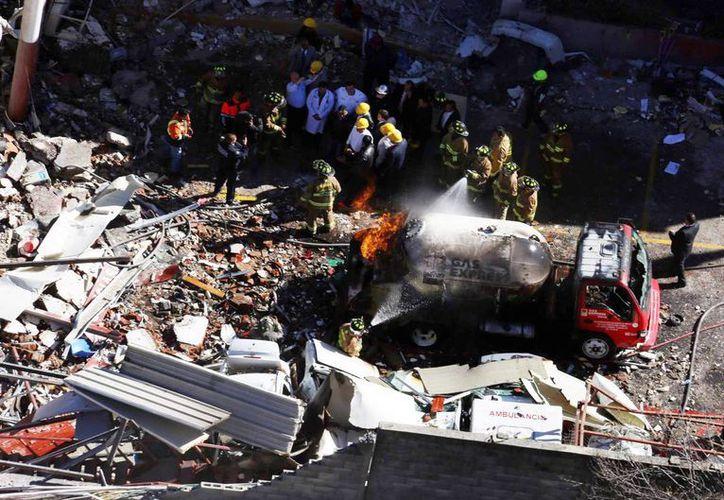 Imagen de la explosión en el Hospital Materno Infantil de Cuajimalpa que se registró el pasdo 29 de enero.  chofer de la pipa de la empresa Gas Express Nieto fue exonerado. (Archivo/Notimex)