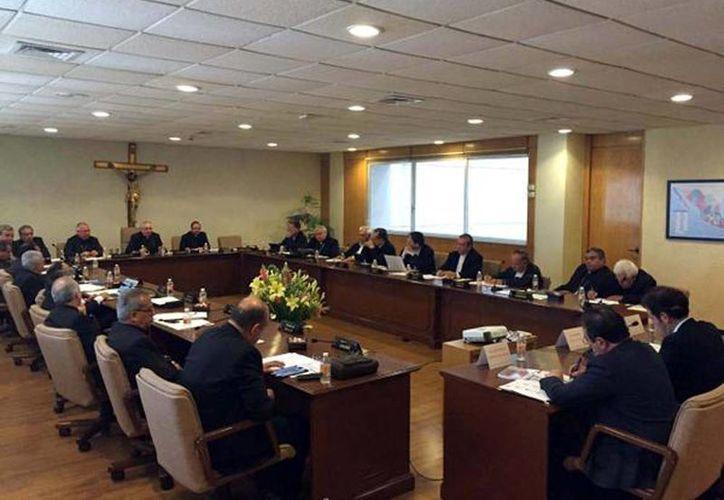 La Conferencia del Episcopado Mexicano se reunió el 13 de abril con el presidente del INE, Lorenzo Córdova. (Tomada de Twitter/@INEMexico)