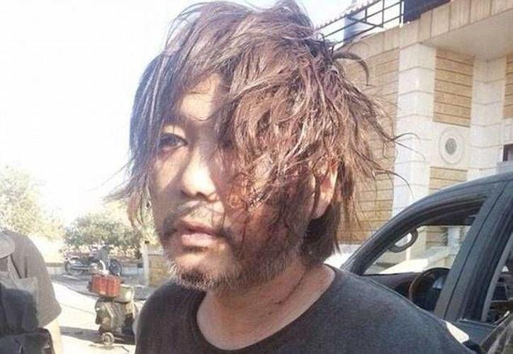 Imagen que muestra a Haruna Yukawa tras ser capturado por yihadistas en Siria.(dailymail.co.uk)