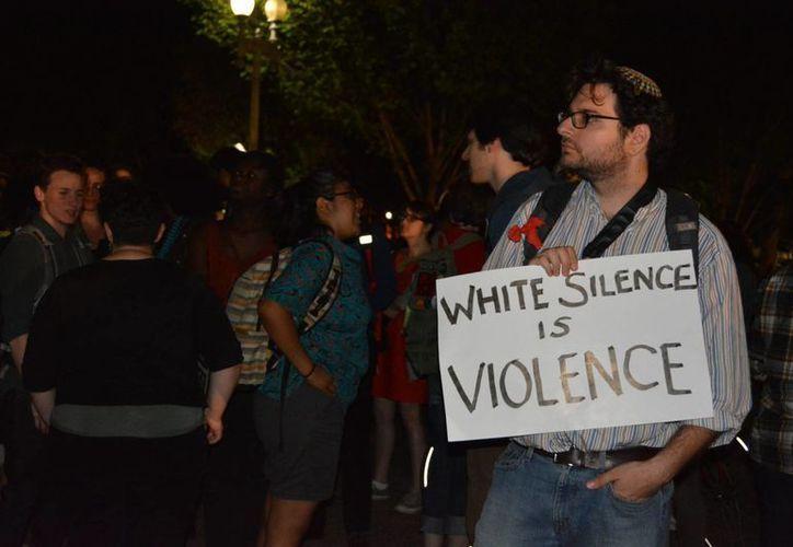 Más de mil policías fueron desplegados en Baltimore para contener la ola de violencia y manifestaciones que surgió tras la muerte de un joven afroamericano. (Archivo/Notimex)