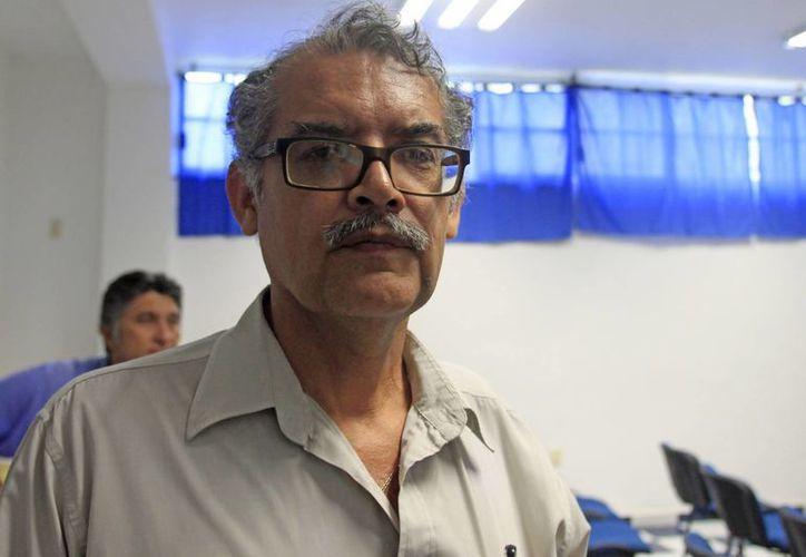 Otro panorama obligaría a regaliazar una coalición de facto aseguró Carlos Vázquez Hidalgo. (Harold Alcocer/SIPSE)