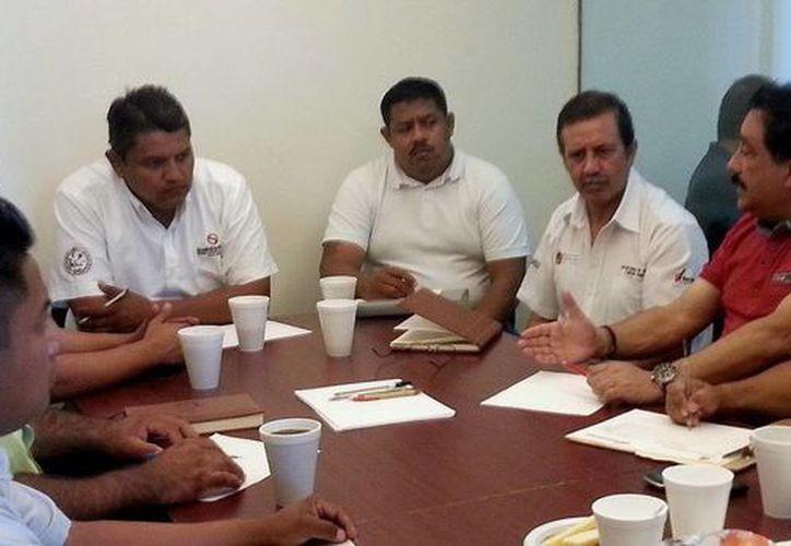 Autoridades estatales y municipales de Yucatán y Quintana Roo definen mecanismo de atención. (Redacción/SIPSE)