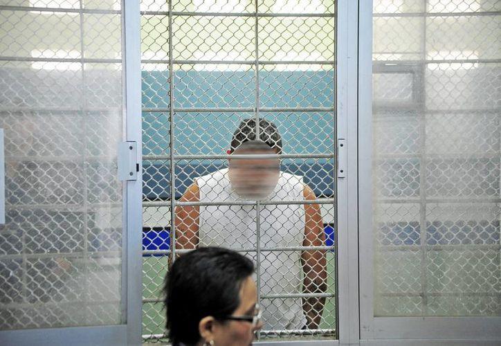 La Procuraduría mexiquense aprehendió a Jonathan Alonso Ramírez Teolontitla, de 28 años, acusado de golpear hasta la muerte a la hija de su pareja sentimental en abril pasado. La imagen se utiliza únicamente como referencia. (Archivo/Notimex)