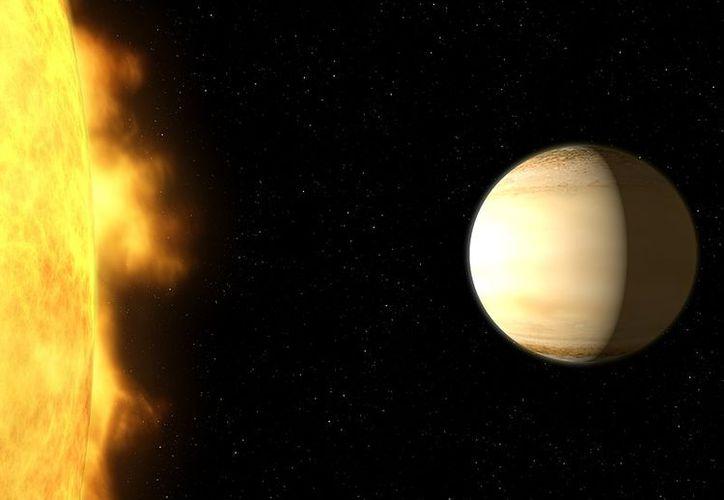 """El llamado """"Saturno caliente"""" se encuentra a 700 años luz de distancia de la Tierra. (NASA)"""