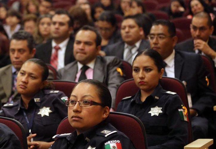 A pesar del avance de la mujer en diferentes ámbitos de la vida de México, todavía son muchos los espacios que domina el hombre. El país cayó en el Índice Global de Brecha de Género. La imagen es de contexto. (NTX)