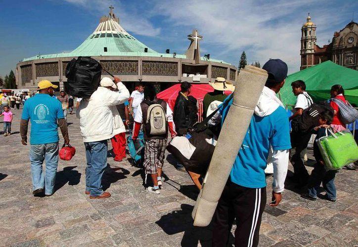La Basílica de Guadalupe recibe una réplica de la Sábana Santa de Turín. (Notimex)