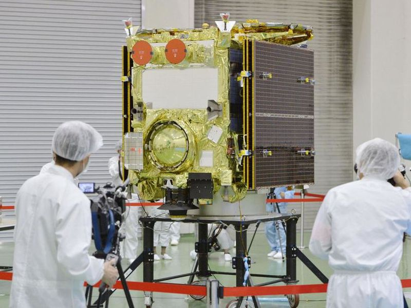 In this photo, asteroid explorer Hayabusa2 is displayed to media.
