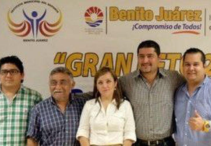 """Autoridades encargadas del evento """"Gran Reto 2013"""". (Cortesía/SIPSE)"""
