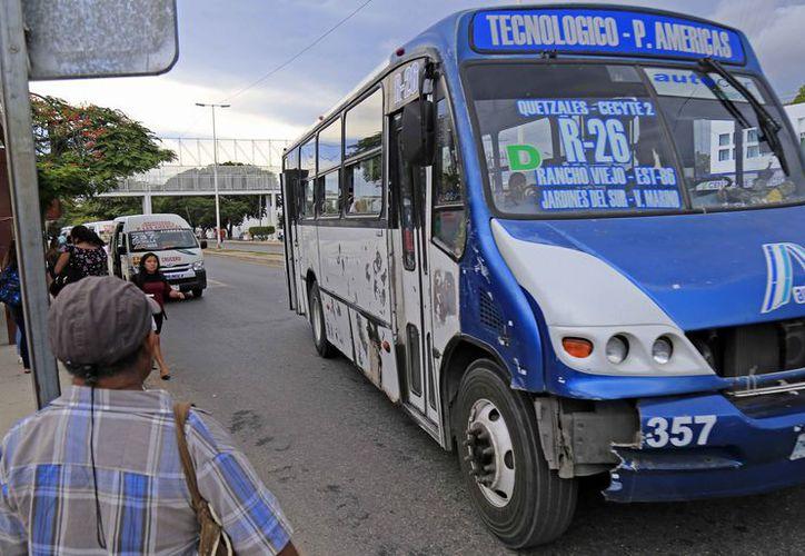 Las empresas continuarán ofreciendo el servicio con unidades en malas condiciones. (Jesús Tijerina/SIPSE)
