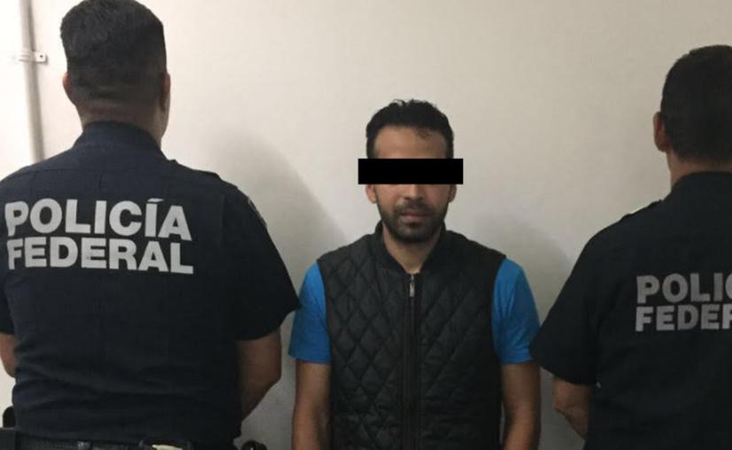 Elementos de la Policía Federal, del Instituto Nacional de Migración, detuvieron a uno de los hombres más buscados en el estado de Michigan. (López Dóriga).