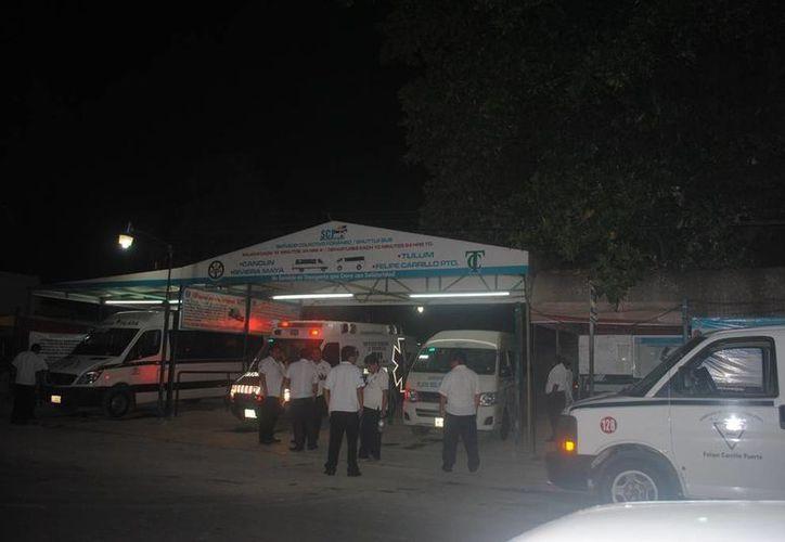 El chofer de la unidad quien dio los primeros auxilios a la pasajera que convulsionó durante el viaje. (Redacción/SIPSE)