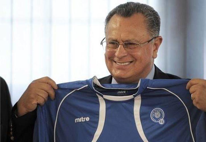 "Castillo fue cesado tras no calificar a ""La Selecta"" al hexagonal rumbo a Brasil 2014. (www.es.fifa.com)"