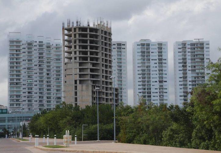 Se refleja un crecimiento en el sector con nuevos desarrollos inmobiliarios. (Israel Leal/SIPSE)