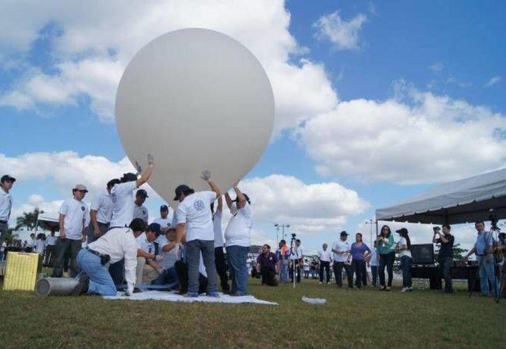 La Universidad Modelo ha realizado ya dos lanzamientos de su satélite experimental en Yucatán. (Milenio Novedades)