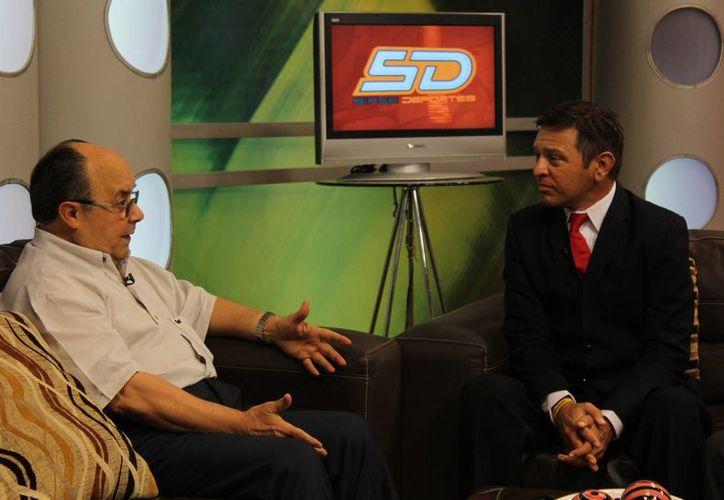 Plinio Escalante, actual presidente de la Liga Mexicana, visitó las instalaciones de Grupo SIPSE para hablar sobre su presente y su futuro en el beisbol. (SIPSE)