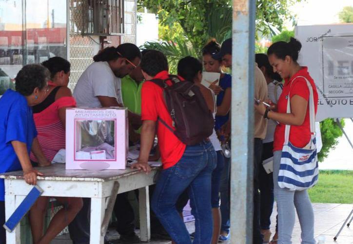El voto de los jóvenes es del interés para los partidos políticos en Yucatán, aunque cada uno de ellos establece diferentes rangos de edad. (SIPSE)