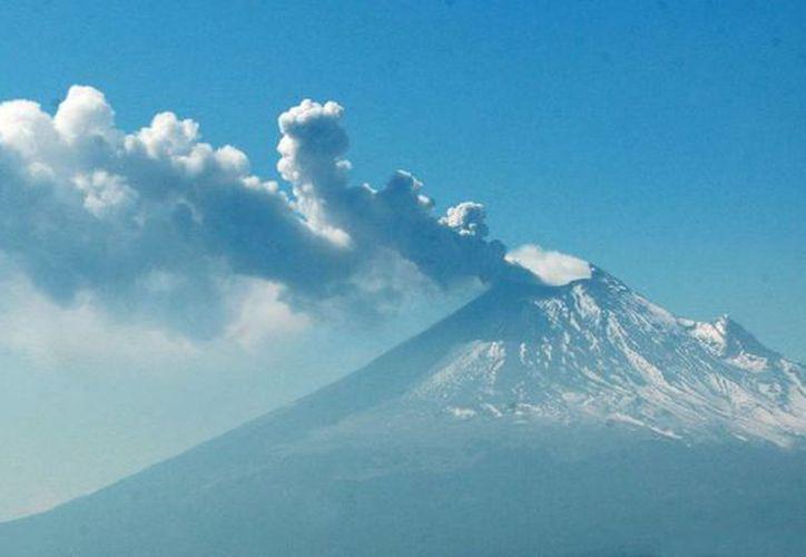 El volcán Popocatépetl ha registrado en las últimas horas 39 exhalaciones. (Notimex)