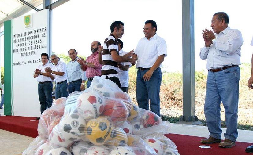El Gobernador entregará material deportivo en Teya, para motivar a los jóvenes a tener una vida sana. (Cortesía)