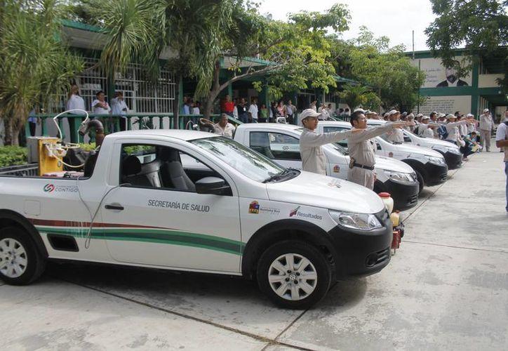 De 69 vehículos nebulizadores que trabajan en el estado, nueve se encuentran en Cancún. (Archivo/SIPSE)